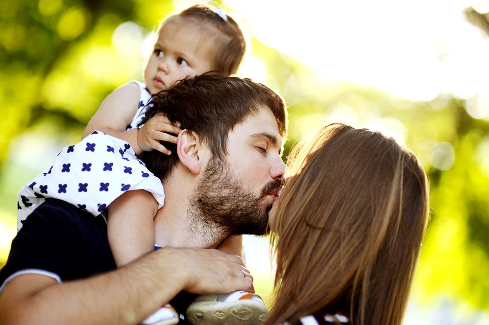 Helpful information for first-time parents (for moms and dads) - kidshealth to three inches