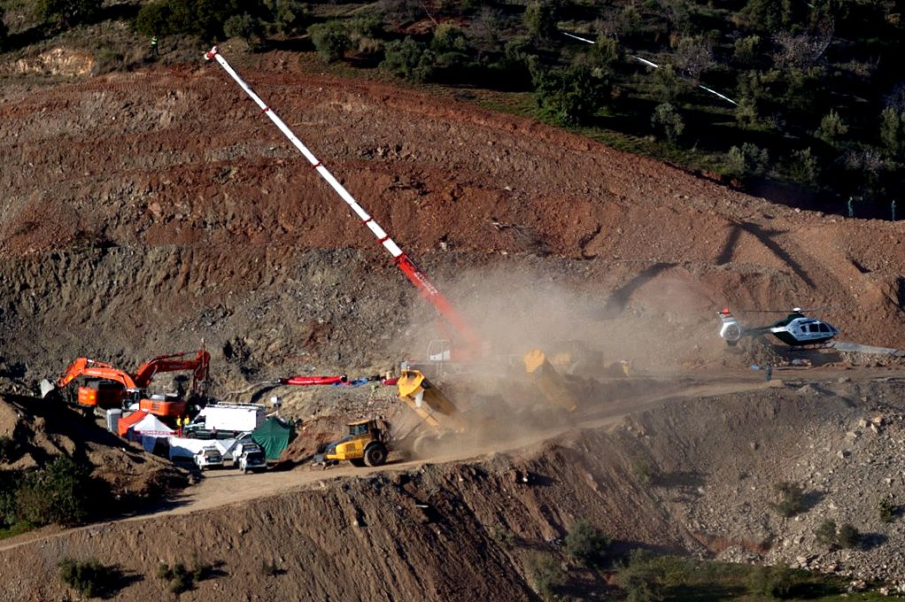 Rescuers find body of toddler who fell lower spanish well that mine save experts along